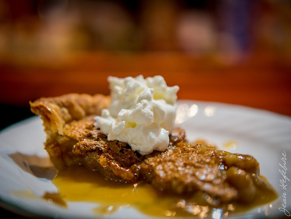 Maple syrup pie with whipped cream