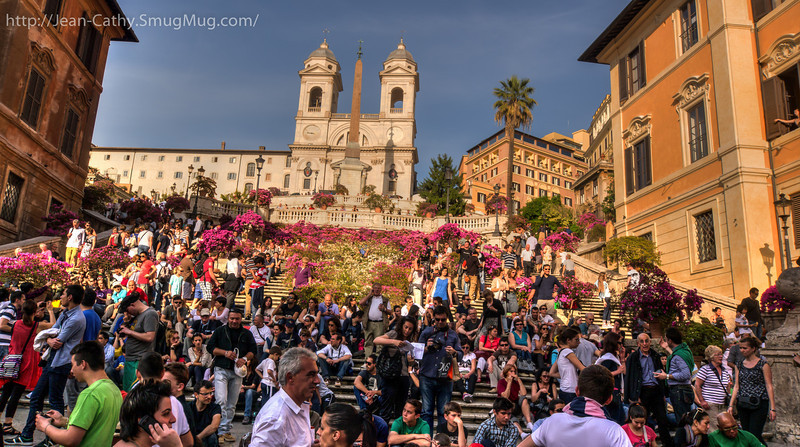 Spanish steps full of people