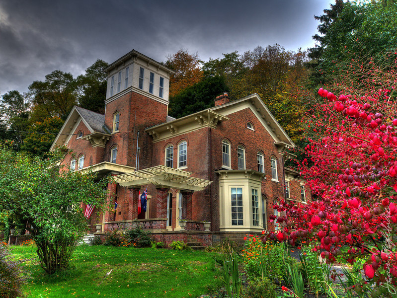 Large bed and breakfast in Finger Lakes